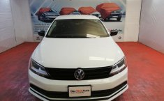 Pongo a la venta cuanto antes posible un Volkswagen Jetta que tiene todos los documentos necesarios-6