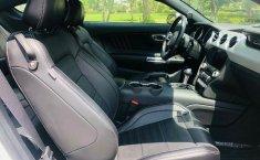 Un Ford Mustang 2015 impecable te está esperando-18