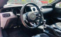 Un Ford Mustang 2015 impecable te está esperando-0