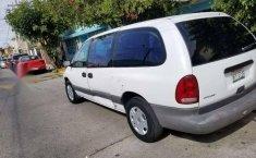 Un excelente Chrysler Grand Caravan 1996 está en la venta-2
