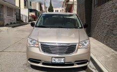 Se vende un Chrysler Town & Country 2016 por cuestiones económicas-9