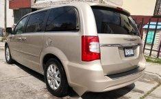 Se vende un Chrysler Town & Country 2016 por cuestiones económicas-8