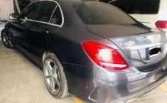 Pongo a la venta un Mercedes-Benz Clase C en excelente condicción-3