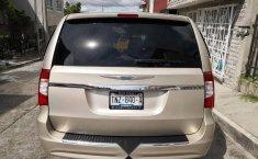 Se vende un Chrysler Town & Country 2016 por cuestiones económicas-4