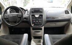 Se vende un Chrysler Town & Country 2016 por cuestiones económicas-3