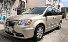 Se vende un Chrysler Town & Country 2016 por cuestiones económicas-0