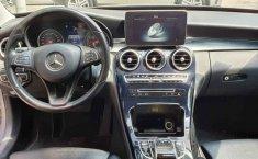 Vendo un Mercedes-Benz Clase C impecable-9