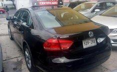 Quiero vender un Volkswagen Passat en buena condicción-5