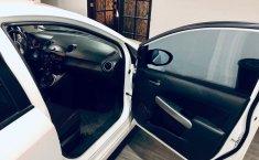 Coche impecable Mazda 2 con precio asequible-5