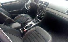 Quiero vender un Volkswagen Passat en buena condicción-2