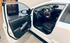 Coche impecable Mazda 2 con precio asequible-4