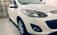 Coche impecable Mazda 2 con precio asequible-1
