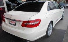 Coche impecable Mercedes-Benz Clase E con precio asequible-4