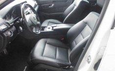 Coche impecable Mercedes-Benz Clase E con precio asequible-3
