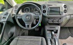 Coche impecable Volkswagen Tiguan con precio asequible-3