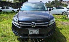 Coche impecable Volkswagen Tiguan con precio asequible-0