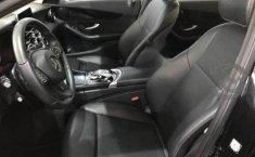 Un Mercedes-Benz Clase C 2017 impecable te está esperando-7
