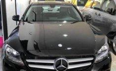 Un Mercedes-Benz Clase C 2017 impecable te está esperando-5