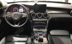 Un Mercedes-Benz Clase C 2017 impecable te está esperando-1