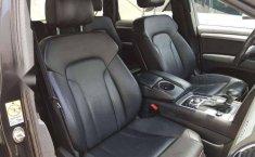 Audi Q7 2012-0