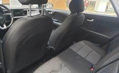 En venta un Kia Rio 2018 Automático en excelente condición-2