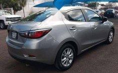 Quiero vender un Toyota Yaris en buena condicción-6