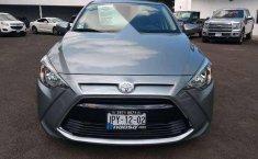 Quiero vender un Toyota Yaris en buena condicción-5