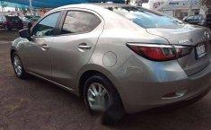 Quiero vender un Toyota Yaris en buena condicción-1