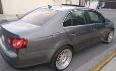 Pongo a la venta un Volkswagen Bora en excelente condicción-5