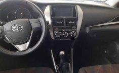Vendo un carro Toyota Yaris 2019 excelente, llámama para verlo-0