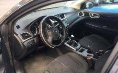 Coche impecable Nissan Sentra con precio asequible-8