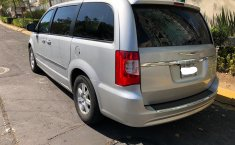 Chrysler Town & Country Gris -4