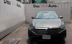 Pongo a la venta cuanto antes posible un Volkswagen Jetta que tiene todos los documentos necesarios-2