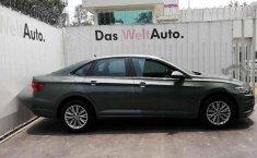 Pongo a la venta cuanto antes posible un Volkswagen Jetta que tiene todos los documentos necesarios-0