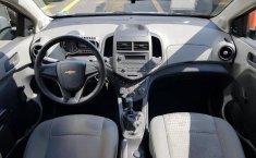 Se pone en venta un Chevrolet Sonic-10