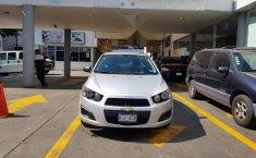 Se pone en venta un Chevrolet Sonic-7