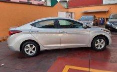 Hyundai Elantra 2016 barato-18