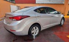 Hyundai Elantra 2016 barato-17