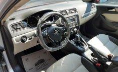 Un Volkswagen Jetta 2015 impecable te está esperando-21