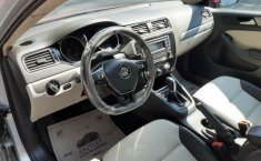 Un Volkswagen Jetta 2015 impecable te está esperando-14