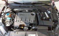 Un Volkswagen Jetta 2015 impecable te está esperando-9
