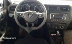 Pongo a la venta un Volkswagen Jetta en excelente condicción-6