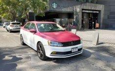 Un Volkswagen Jetta 2015 impecable te está esperando-7
