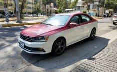 Un Volkswagen Jetta 2015 impecable te está esperando-1