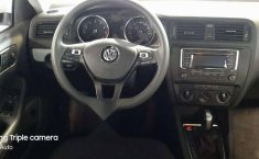 Pongo a la venta un Volkswagen Jetta en excelente condicción-0