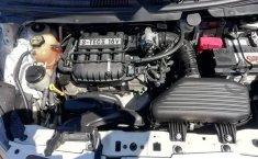 Coche impecable Chevrolet Spark con precio asequible-6