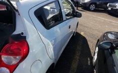 Coche impecable Chevrolet Spark con precio asequible-5