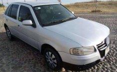 Un Volkswagen Pointer 2006 impecable te está esperando-6