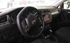 Volkswagen Tiguan Automático-5