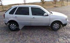 Un Volkswagen Pointer 2006 impecable te está esperando-3